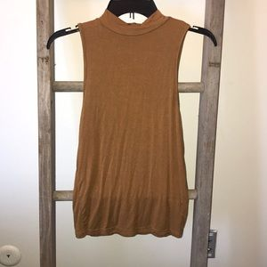 Mustard yellow top (THIS ITEM BOUGHT IN HAWAII)